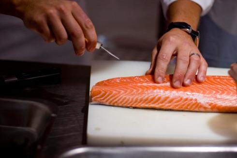 Deboing salmon