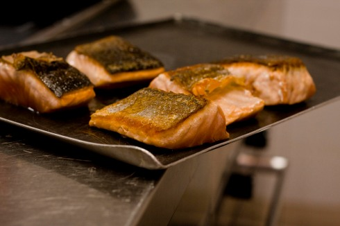 Pan-fried salmon steaks