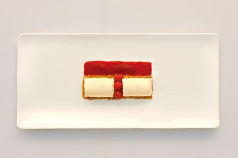 Combawa custard mousse with raspberry coulis